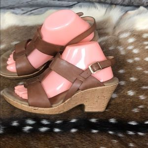 Clark's Women Leather Sandlas/ Wedges  Size 9.5